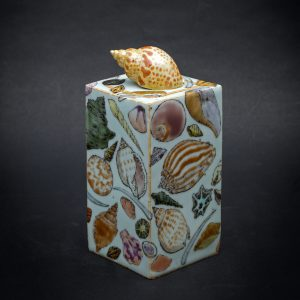 Shell Box by Kensuke Fujiyoshi