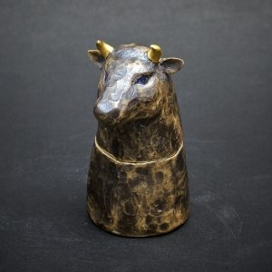 Bull by Kensuke Fujiyoshi