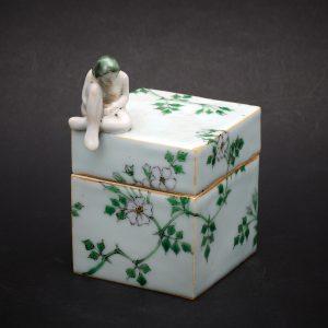 Wild Rose Box by Kensuke Fujiyoshi
