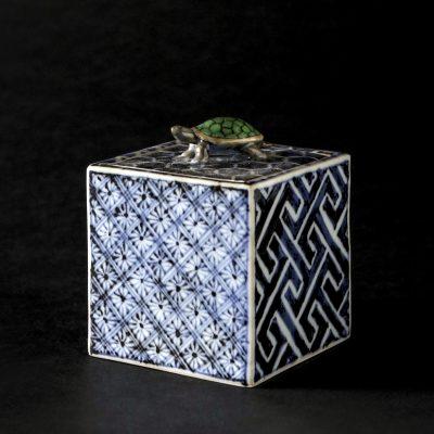 Turtle Box by Kensuke Fujiyoshi