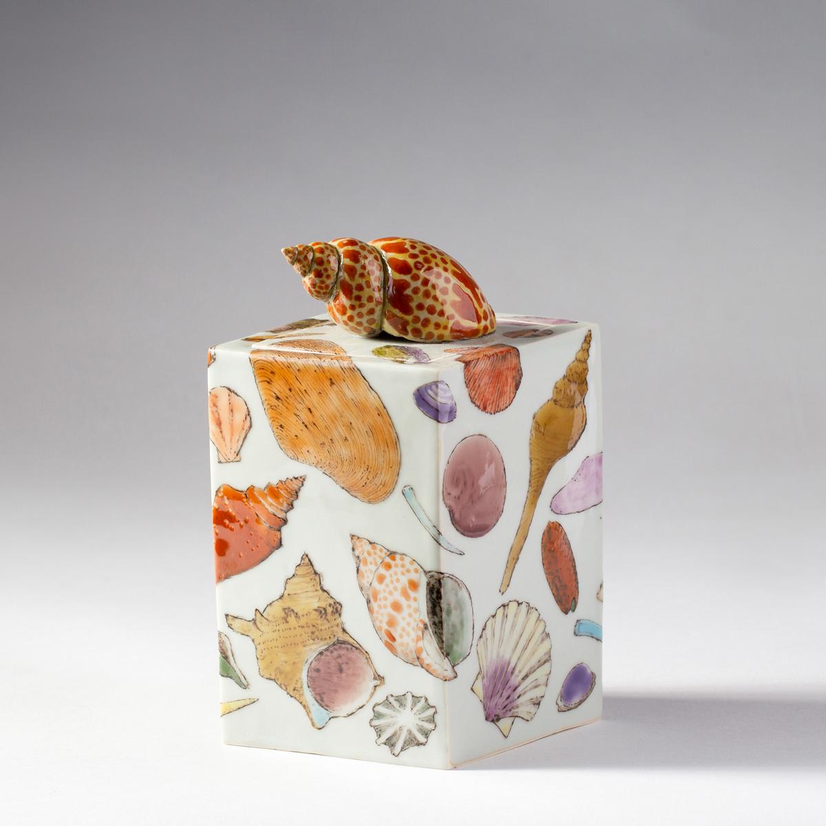 Shell box (Kensuke Fujiyoshi)