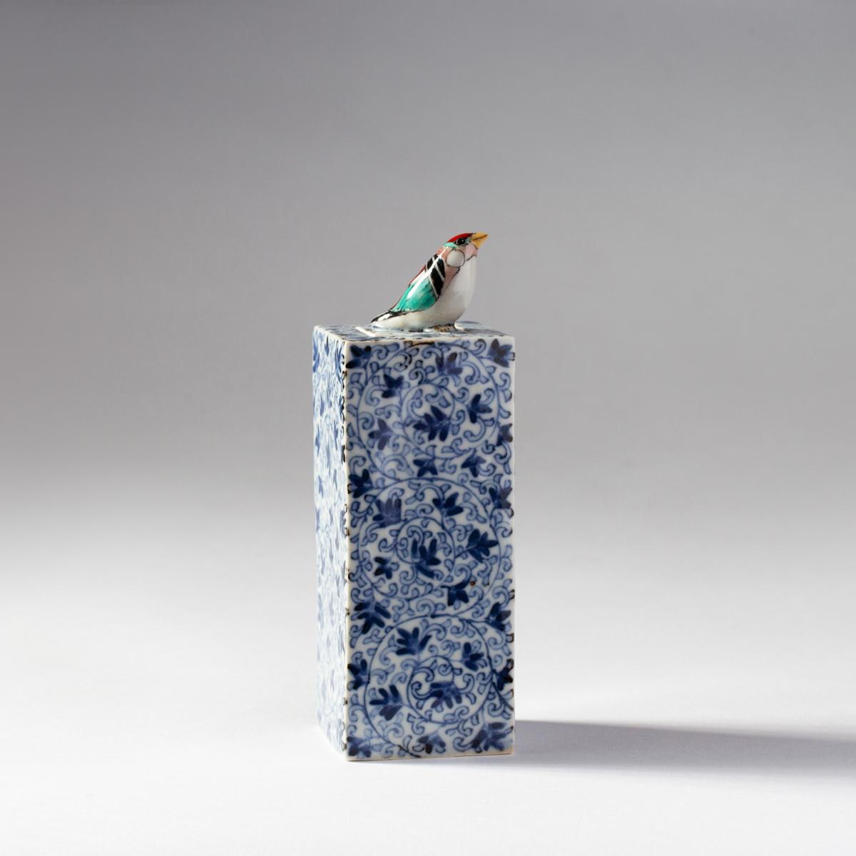 Wild bird and Arabesque pattern (Kensuke Fujiyoshi)