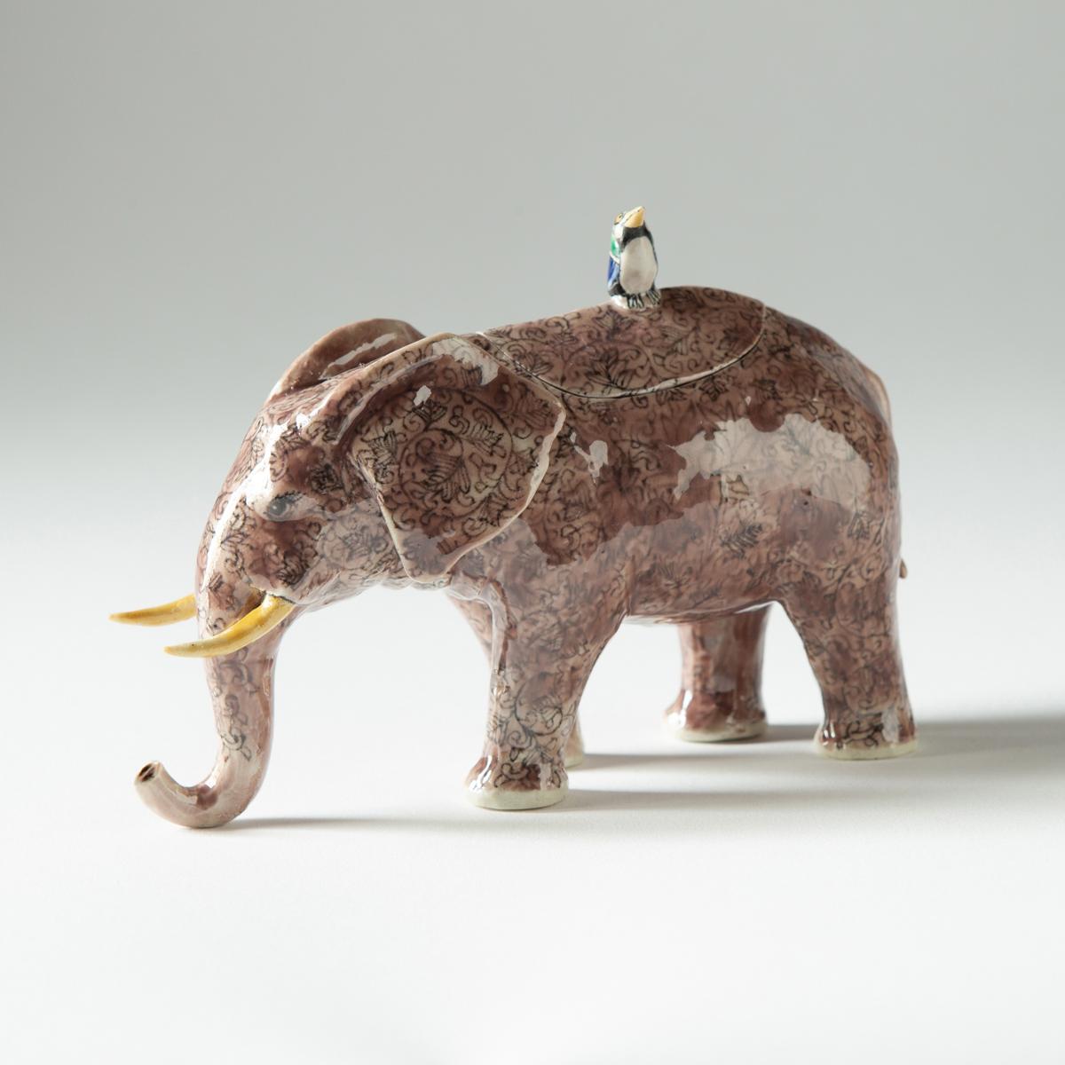 Elephant (Kensuke Fujiyoshi)