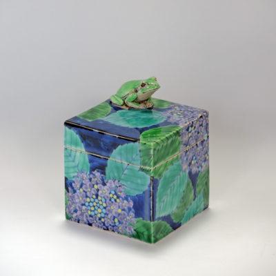 Frog and Hydrangea KENSUKE FUJIYOSHI